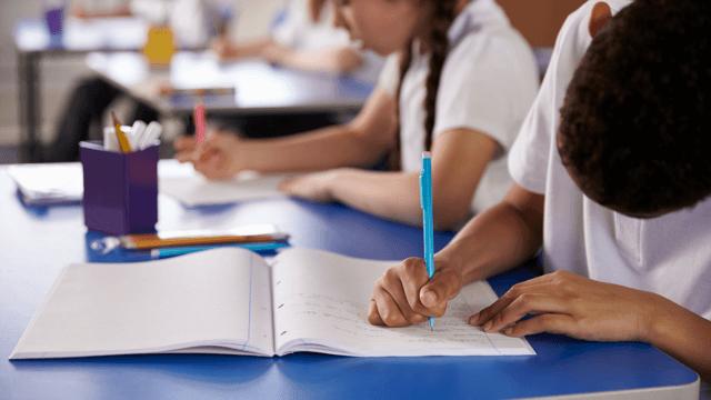 Okula Uyumda Dalgalanmalar